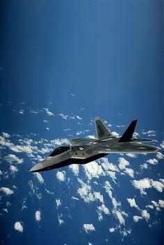 F-22 Raptor #aviationcraft #jetfighter Military Jets, Military Aircraft, Air Fighter, Fighter Jets, F22 Raptor, Jet Plane, Fighter Aircraft, War Machine, Air Force