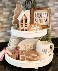 Happy Easter y'all! I totally love this one! Christmas Kitchen, Country Christmas, Winter Christmas, All Things Christmas, Christmas Home, Italian Christmas, Merry Christmas, Christmas Gifts, Tray Styling