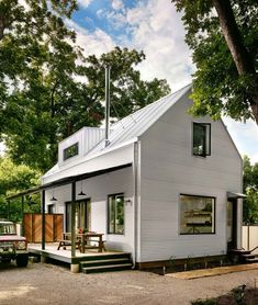 Small energy-efficient farmhouse in Austin designed for a bachelor