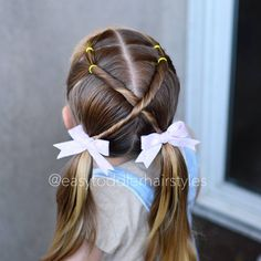 Successive ponies on top. Twisted x to pigtails Toddler Hair Dos, Easy Toddler Hairstyles, Baby Girl Hairstyles, Princess Hairstyles, Little Girl Hairstyles, Hairstyles For School, Braided Hairstyles, Pretty Hairstyles, Girl Hair Dos