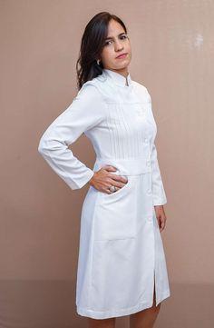 Lab Coats, Medical Uniforms, Uniform Design, School Dresses, Nursing Dress, Look Fashion, Blouse Designs, Salvador Ba, Designer Dresses