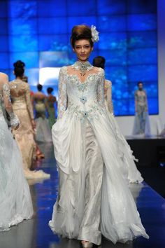 modern #kebaya - Indonesian national dress - by ferry sunarto http://www.ferrysunarto.com/
