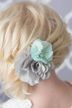 Mint and gray flower hair clip - La Bella Rose Boutique. Girl's hairstyles, christmas hair bows, baby girl hair bows, flower girl hair.