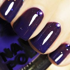 Galactic Purple Ombre Nails  Three Cool Cats Blog:  http://www.shopthreecoolcats.com/blog/valentines-day-nail-art-painted-love/  (Source: postris.com)  #nails  #galactic  #starry  #purple  #ombre  #shine  #bea  #beauty  #fashion  #threecoolcats