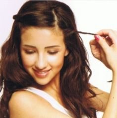 """""""Side part your hair and twist back your fringe. This look is great paired with long, loose waves"""" Growing Out Bangs? 10 Ways to Pin Them Back Pin Back Bangs, Long Hair With Bangs, Long Wavy Hair, Pinning Back Bangs, Short Hair, Side Part Hairstyles, Fringe Hairstyles, Hairstyles With Bangs, Cool Hairstyles"""