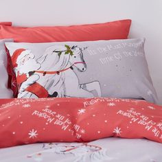 A snowy white Unicorn prances across the snowflake sky of this easycare bedding. Catherine Lansfield is renowned for style and quality- A contemporary Great British design. The set contains a single duvet cover with 1 matching pillowcases. Why not complete the look with matching curtains. Comfortable easy care fabric, requires minimal ironing. Genuine Catherine Lansfield Product. A snowy white Unicorn prances across the snowflake sky of this easycare bedding.