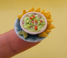 miniature food sculpture by shay aaron Polymer Clay Miniatures, Polymer Clay Charms, Polymer Clay Creations, Dollhouse Miniatures, Miniature Food, Miniature Dolls, Great Recipes, Favorite Recipes, Dinner Recipes
