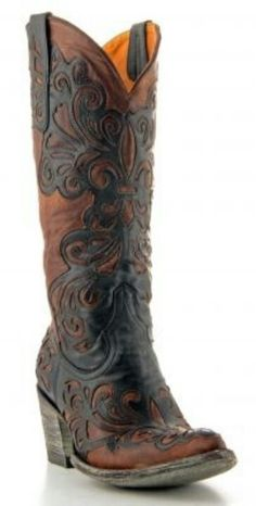 Womens Old Gringo Linda Boots Black via Allen & Cheryl Smith Boots. A pair of cowboy boots I might actually wear! Botas Western, Western Boots, Western Wear, Cowgirl Style, Cowgirl Boots, Cowboy Boots Women, Western Style, Crazy Shoes, Me Too Shoes