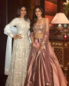 Competing with is the timeless diva as the mother-daughter duo dress up in outfits! Lehenga Designs, Indian Wedding Outfits, Indian Outfits, Indian Attire, Indian Wear, Lehnga Dress, Gown, Indische Sarees, Indie Mode