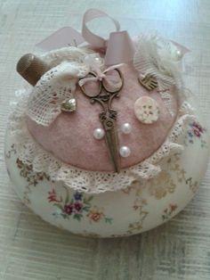 Romantic Cottage - pincushion