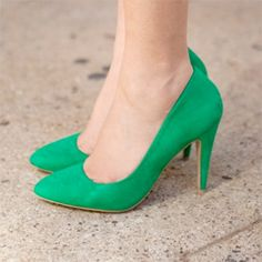 Gorgeous emerald green wedding shoes!