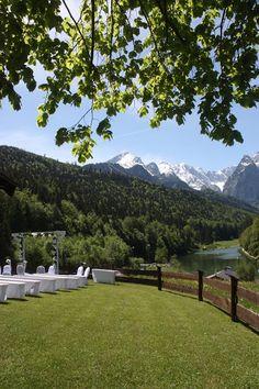 Trauung auf der Bergwiese am Riessersee in den Bergen von Bayern…