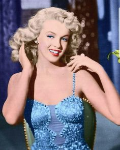 """Marilyn Monroe on the set of the 1949 film """"Ladies Of The Chorus"""" Arte Marilyn Monroe, Marilyn Monroe Photos, Classic Hollywood, Old Hollywood, Cinema Tv, Actrices Hollywood, Norma Jeane, American Actress, Lady"""
