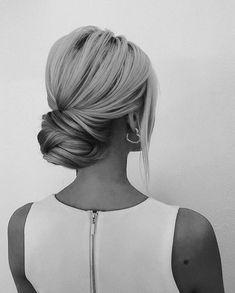 Loose bun at the nape of the neck Loose Buns, Nape Of Neck, Hair Goals, Graduation, Makeup, Board, Wedding, Beauty, Fashion