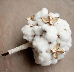 This is seriously the best floral idea I've ever seen. That is cotton! I'm so stealing this from Frannie Major http://www.newleaftelluride.com/idyllic14.html
