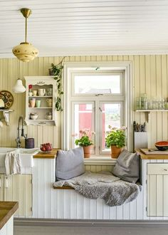 Modern Nursery Theme // Pro Pregnancy Planner // Pops of Bright Color {one} neutral backdrop / {two} splashes of bold color / {three} forward thinking / {four} avoid babyish decor Swedish Kitchen, Swedish Cottage, Country Kitchen, Cozy Kitchen, Cottage Style, Small Cottage Interiors, Cottage Kitchens, Interior Exterior, Kitchen Interior