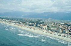 Italienischkurse am Meer Lucca, Pisa, Am Meer, Strand, Airplane View, Beach, Water, Outdoor, Language School