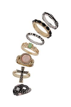 Martini Ring Pack. 18 Euro's TopShop