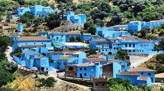 El pueblo malagueño de Júzcar, en la Serranía de Ronda, convertido en aldea de Los Pitufos.