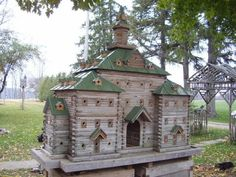 John Looser builds the most amazing birdhouses, inspired by Victorian architecture. His bird mansions are praised by bird lovers everywhere House Plans For Sale, Bird House Plans, Bird Cages, Bird Feeders, Grande Hotel, Wooden Bird Houses, Woodworking Projects That Sell, Victorian Architecture, Fairy Houses