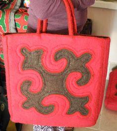 GlobeIn: Handmade Shyrdak Bag - Thin Handle, Color Variations #globein