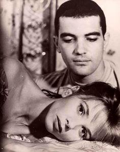 Victoria Abril and Antonio Banderas - Atame! (Tie Me Up! Tie Me Down!), by Pedro Almodovar (1990)