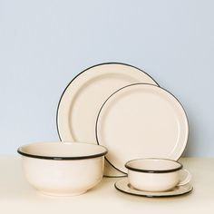 5-Piece Enamelware Dining Set - Crema - Someware