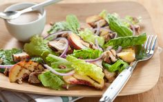 Grilled Chicken Salad with Peach-Pecan Vinaigrette // For extra flavor, grill the peaches and onions, too! I Love Food, A Food, Food And Drink, Healthy Salad Recipes, Whole Food Recipes, Grilled Recipes, Fruit Recipes, Recipies, Ginger Chicken
