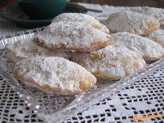 Vyprážané pirohy perky z tvarohového cesta. Bread, Food, Hampers, Brot, Essen, Baking, Meals, Breads, Buns