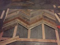 Gambill Custom Woodwork: Chevron Pallet Headboard Build - Stuff to Try - Herringbone Headboard, Chevron Headboard, Chevron Bedding, Diy Pallet Projects, Pallet Ideas, Recycled Pallets, Wood Pallets, Pallet Benches, Pallet Tables