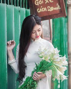 Vietnamese long dress (Ao dai) -