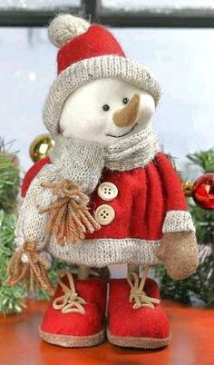 Sewing christmas crafts xmas 21 Ideas for 2020 Christmas Sewing, Primitive Christmas, Felt Christmas, Christmas Snowman, Christmas Holidays, Christmas Ornaments, Rustic Christmas, Snowman Decorations, Handmade Christmas Decorations