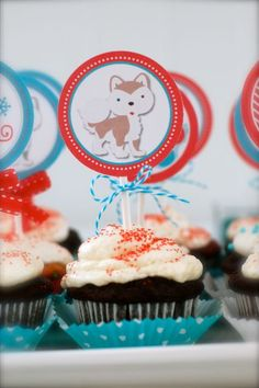 Cupcakes at a Winter Wonderland Party  #winter #cupcakes