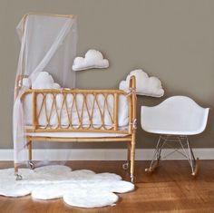 Babyroom, baby vintage, cuna de mimbre