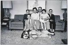 Znalezione obrazy dla zapytania Elliott Erwitt – Two Dogs With Owner