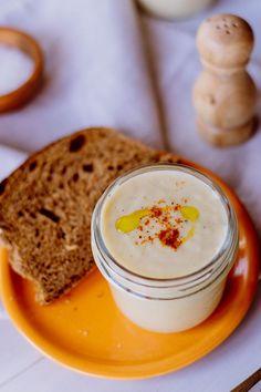 Πατατόσουπα -Εύκολες συνταγές - Γωγώ Δελογιάννη Hummus, Panna Cotta, Ethnic Recipes, Food, Dulce De Leche, Essen, Meals, Yemek, Eten