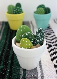 Hand Painted Mini Cactus - Office Desk - Ideas of Office Desk - The . Handwerk ualp , Hand Painted Mini Cactus - Office Desk - Ideas of Office Desk - The . Hand Painted Mini Cactus - Office Desk - Ideas of Office Desk Stone Crafts, Rock Crafts, Cute Crafts, Simple Crafts, Diy Kids Crafts, Garden Crafts For Kids, Easy Crafts To Sell, Budget Crafts, Craft Kids