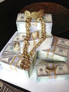 Currency and gold chains cake