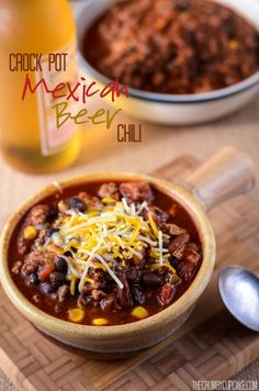 Crock Pot Mexican Beer Chili | A super simple Mexican-style crock pot chili, simmered all day with a bottle of your favorite beer!