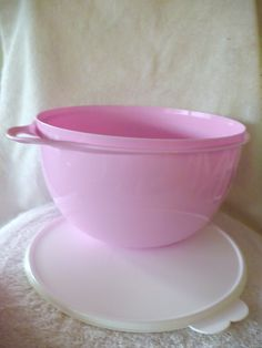 Tupperware Pink Thatsa Bowl 32 Cup Mixing Bowl >>> Tried it! Love it! Click the image. : Baking mixing bowls