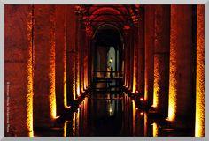 Colonnato sotterraneo - Underground colonnade - Columnata subterréneo
