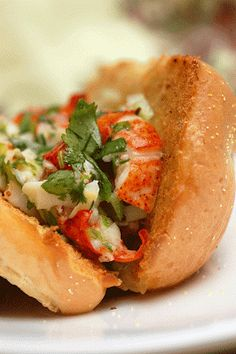 Lobster Rolls w/Lemon Vinaigrette & Garlic Butter   .........  If you're looking for a scrumptious lobster dish, stop right here...You've found it!!!***