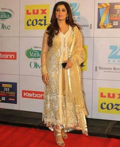 #Zee#cinema#golen#award#2013#indian#bollywood#celebrity#award#ceremony#designer#dress#wear#long#floor#lenth#anarkali#hot#sarees#sari#sariz#embroideried#latest#designer#suit#churidar#kurti#kameez#salwar#dupatta#latest#fashion#stylishbazaar