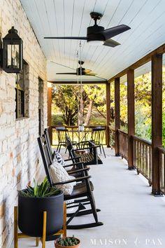 Fresh Farmhouse, Modern Farmhouse, Farmhouse Decor, Haint Blue Porch Ceiling, Modern Porch, Front Porch Design, Porch Decorating, Decorating Ideas, Outdoor Ceiling Fans