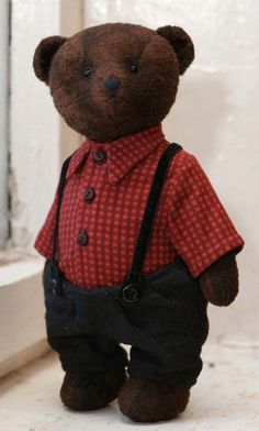 в клетчатой рубашке. / Teddy bear in checkered shirt