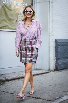 Print-clashing done right. #refinery29 http://www.refinery29.com/2016/09/120553/nyfw-spring-2017-best-street-style-outfits#slide-39