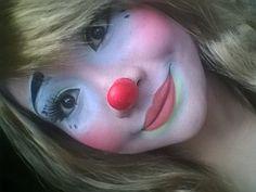 Female Clown, Makeup Supplies, Pantomime, Clown Makeup, Girls Makeup, Clowns, Folk, Lady, Artist