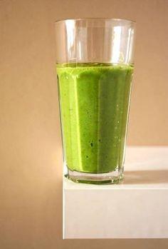 Zielony smoothie z awokado i kiwi Health Smoothie Recipes, Healthy Diet Recipes, Smoothie Drinks, Cooking Recipes, Smothie, W 6, Food Inspiration, Catering, Food And Drink