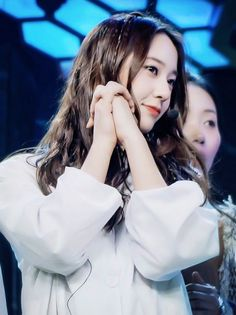 Krystal Jung, Face Claims, Role Models, Kpop, Super Star, Celebrities, Asian, Shapes, Queen