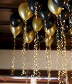 top 25 awesome great gatsby party decoration ideas - The world's most private search engine Great Gatsby Party Decorations, Great Gatsby Themed Party, Prom Decor, Black And Gold Party Decorations, 1920s Decorations, Farewell Party Decorations, Parties Decorations, New Years Decorations, Themed Parties